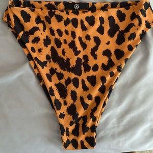 MISSGUIDED Leopard high waisted bikini bottom